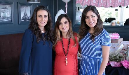 Fernanda Sainz, Montse Muñiz y Claudia Martínez.