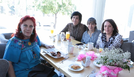 Ana Neumann, Silvia Estrada, Gaby Ortuño y Juliana Garza.