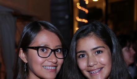 Michelle Sánchez y María Pau Acosta.