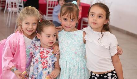 Elena, Álika, Hanni y Maya.