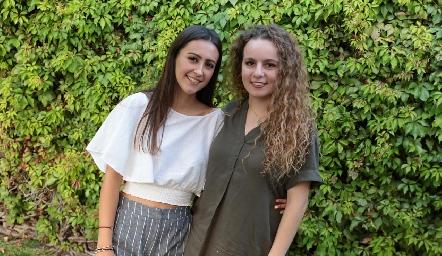 Denisse Torre y Elena Barrera.