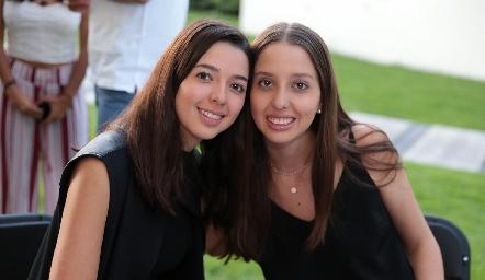 Isabela y Sofía Villanueva.