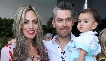 Elizabeth, Manolo y Manuel Ruiz.