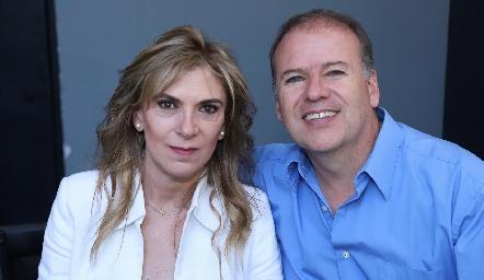 Claudia Villarreal y Marco Reyes.