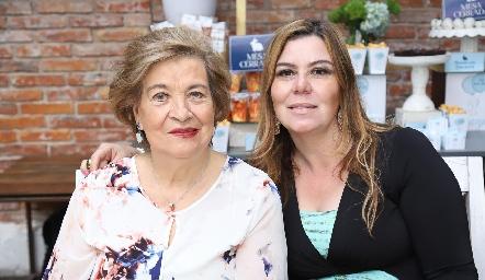 Nona Berrones y Gabriela Lozano.