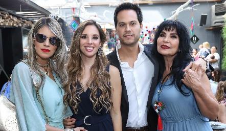 Mariana Berrones, Melissa Compean, Beto Berrones y Elizabeth Rodríguez.