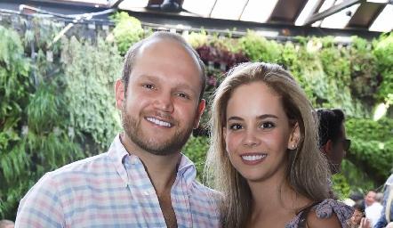 Abel Rangel y Alynn Ruiz.