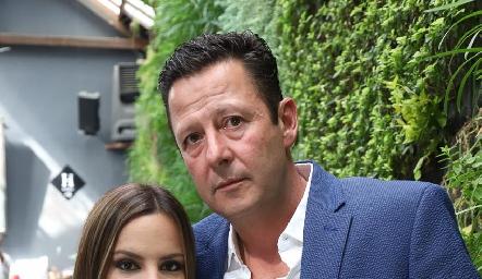 Arlett y Fernando Lozano.