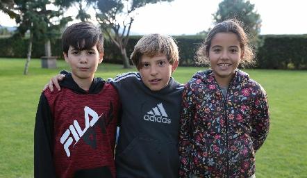 Rodrigo, Mauricio y Loretta.