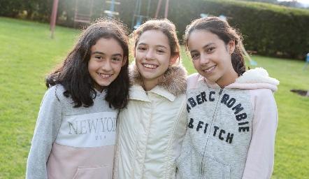 Alexa, Mariel y Pau.