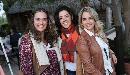 Gabriela Bárcena, Mónica Noguez y Daniela Serment.
