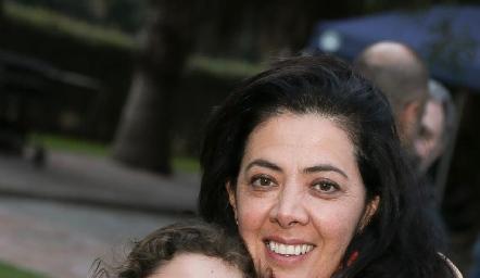 Mariel y Mónica Noguez.