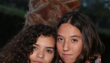 Isabela Rivero y Roberta Ortiz.