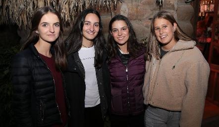Camila Bárcena, Lorenza Gárate, Paty Leos e Isabela Galván.