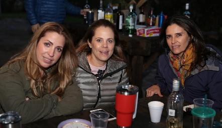 Verónica Minondo, Patricia Fernández y Claudia Martínez.