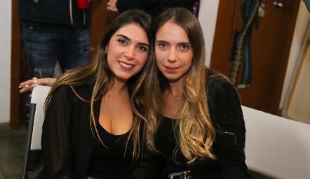 Mayra Díaz de León y Mariana Peña.