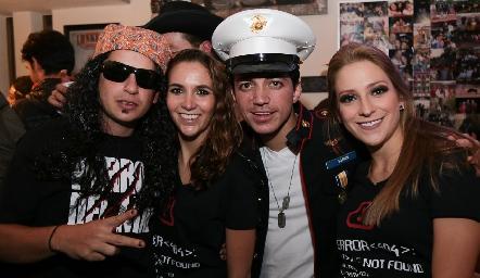 Agustín Soberón, Lucila Andrade, Santiago Guzmán y Ale Álvarez.