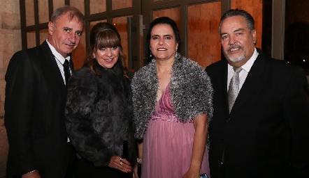 Ricky Villalba, Martha García, Marcela Schekaibán y Hugo Mendoza.