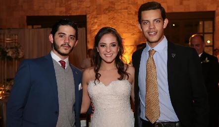 Ricardo Cobos, Andrea Schekaibán y Rodrigo Cobos.