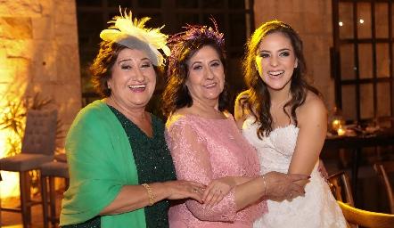 Carmen Ortega, Leo de Orgaz y Andrea Schekaibán.