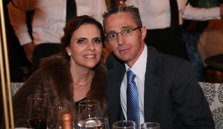 Mónica Schekaibán y Luis Javier Vera.