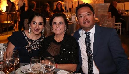 Cristina Zabala, Lorena Schekaibán y Rubén Gaytán.