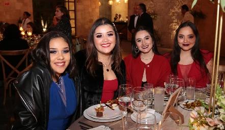 Nicole Franco, Alejandra Franco, Fernanda Díaz y Montserrat Díaz.