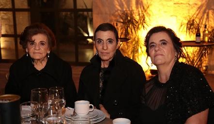 Ana María, Anita y Lorena Schekaibán.