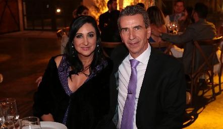 Blanca de Cantú y Eduardo Cantú.
