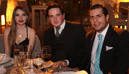 Ana Lore Córdova, Gustavo Zúñiga y Jesús Morales.
