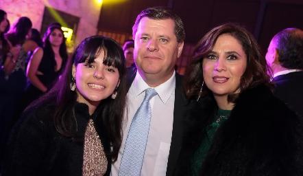 Isa, Rodrigo y Lili Malo.