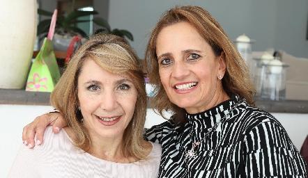 Celina Conde y Mireya Payán.