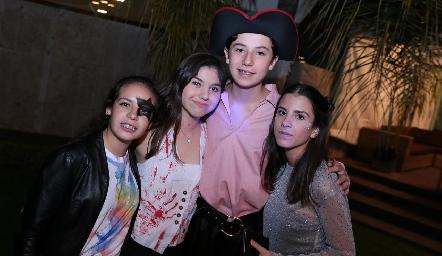 Isa Tobías, Ale Carbajal, Rodrigo Villegas y Camila Fajardo.