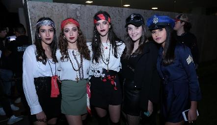 Paulina Godínez, Jimena García, Liz García, Camila Cardoza y Aranza Pumar.