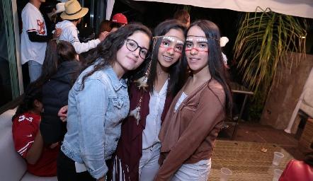 Paola, Regina y Sofía.