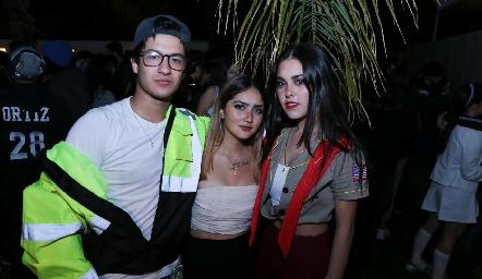 Jorge Aguilar, Mariana Meade y Fátima Pumar.