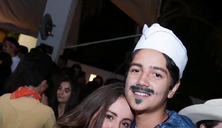 Camila y Marcelo Mier.