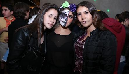 Regina, Pao Argüelles y Sofía Morales.