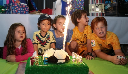Victoria, Pato, Paula, Diego y Francisco.