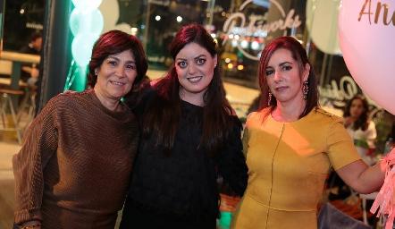 Miriam Bravo, Andrea Gutiérrez y Alejandra Ávila.