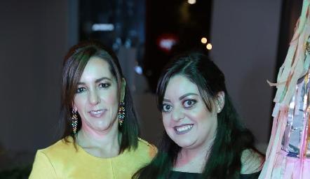 Alejandra Ávila con su hija Andrea Gutiérrez Ávila.