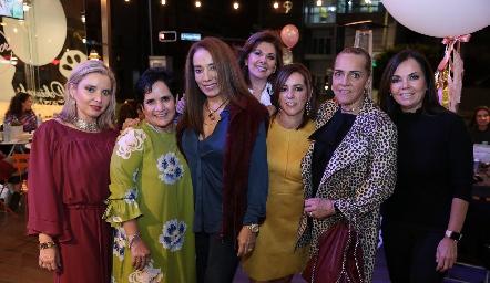 Carla Saucedo, Tita García, Lorena Herrera, Elia de Padilla, Alejandra Ávila, Mimí Hinojosa y Elsa Tamez.