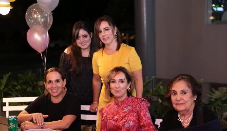 Andrea Gutiérrez, Alejandra Ávila, Martha del Río, María Elena Ávila y María Elena Ramírez.