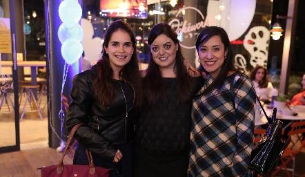 Nicole Peterson, Andrea Gutiérrez y Graciela Hernández.