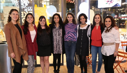 Ana Fer Yáñez, Ale Rojas, Andrea Gutiérrez, Jessica Rodríguez, Marijó Robledo, Alejandra De Luna, Elena Meade y María Lavín.