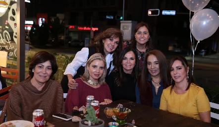 Elia de Padilla, Laura Acosta, Miriam Bravo, Carla Saucedo, Elsa Tamez, Lorena Herrera y Alejandra Ávila.