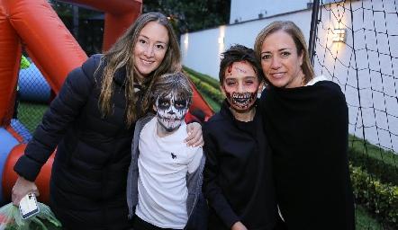 Maru Muñiz y Luis Ma, Mau y Karina Alcalde.