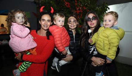 Carola, Mariana Vivanco, Diego, Montse García, Ale Díaz Infante y Juan Carlos.