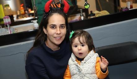 Sofía Estrada y Lucila.