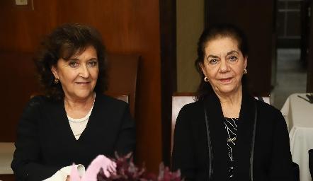 Margarita Labastida y July Sarquis.